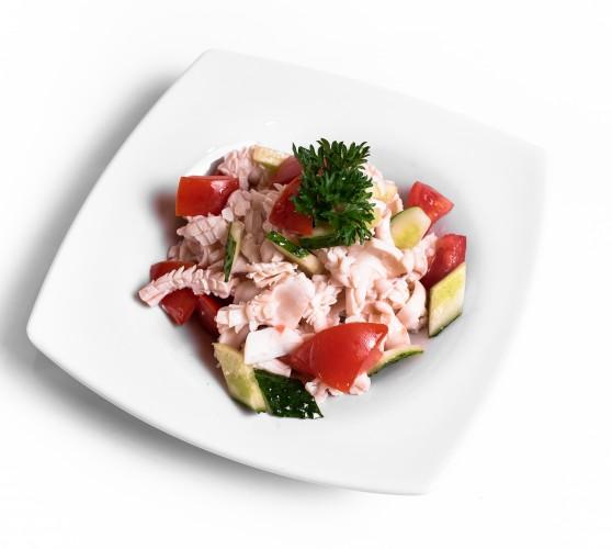 61 Салат з кальмарами та свіжими овочами