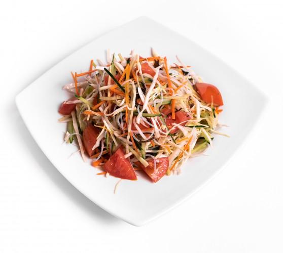 4 Салат з крохмальною локшиною та овочами
