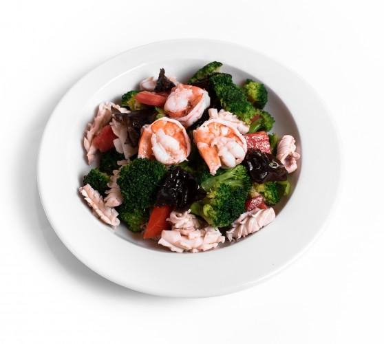60 Салат з морепродуктами та броколі
