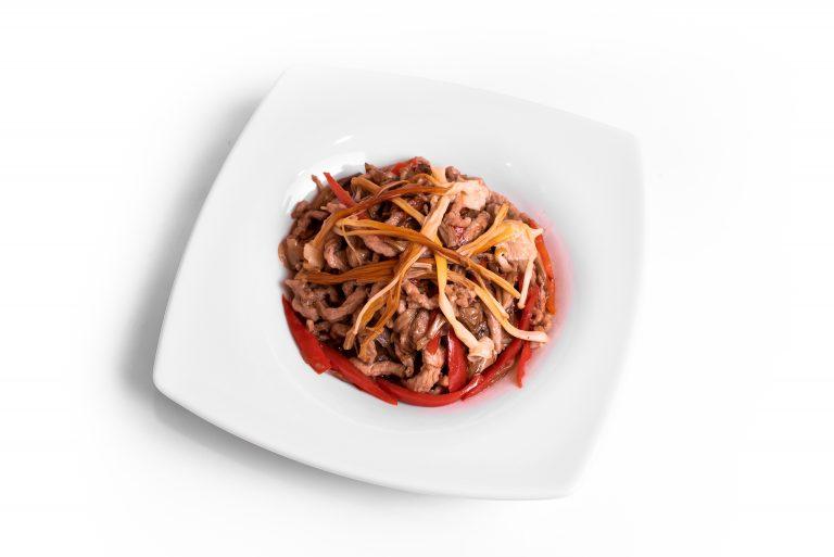 109 Свинина ВОК з грибами Енокі